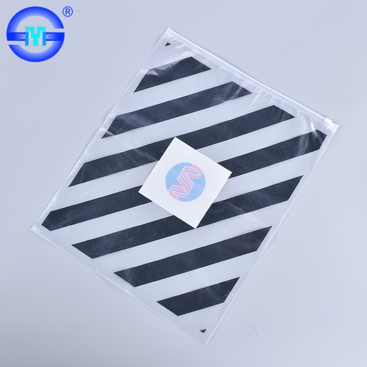 China manufacturer wholesale customized vinyl zipper gift bags