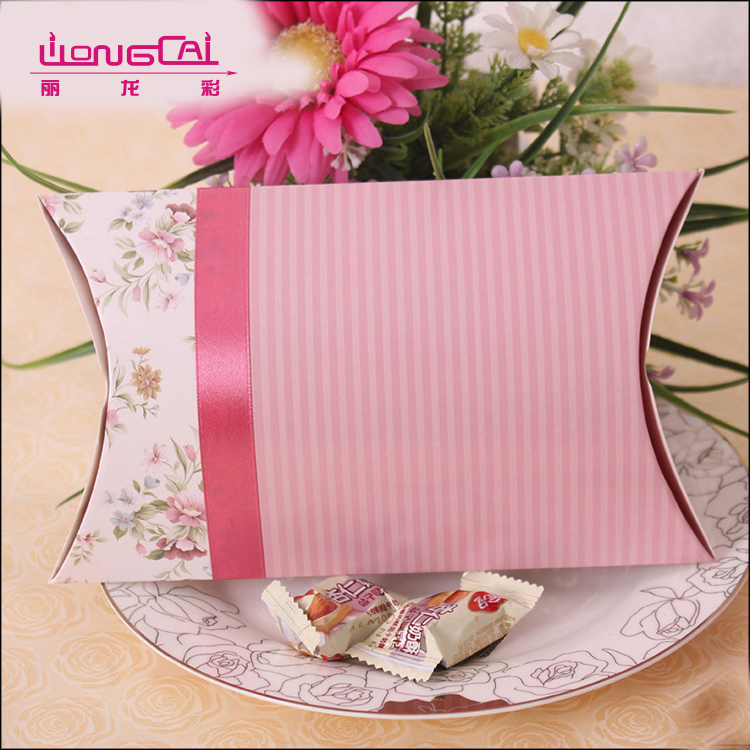 Full color printing recycled luxury candy packaging pillow gift box with ribbon bow