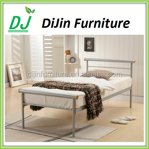 inn/hotel/home country style bedroom furniture beds