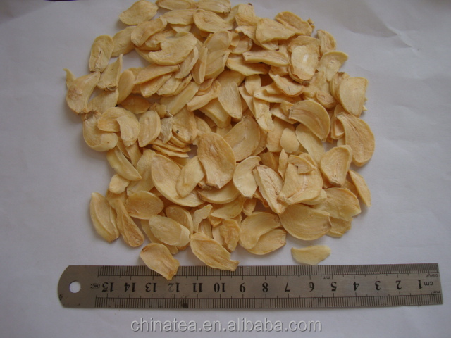 white dehydrated garlic flakes new crop of competitive quality dried organic spice air-dried