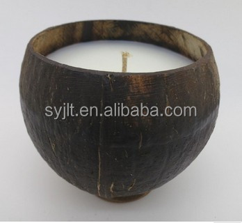Candle in coconut shell wax