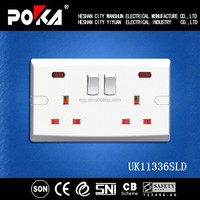 13A Bakelite Double Wall Switched Socket outlet With Light