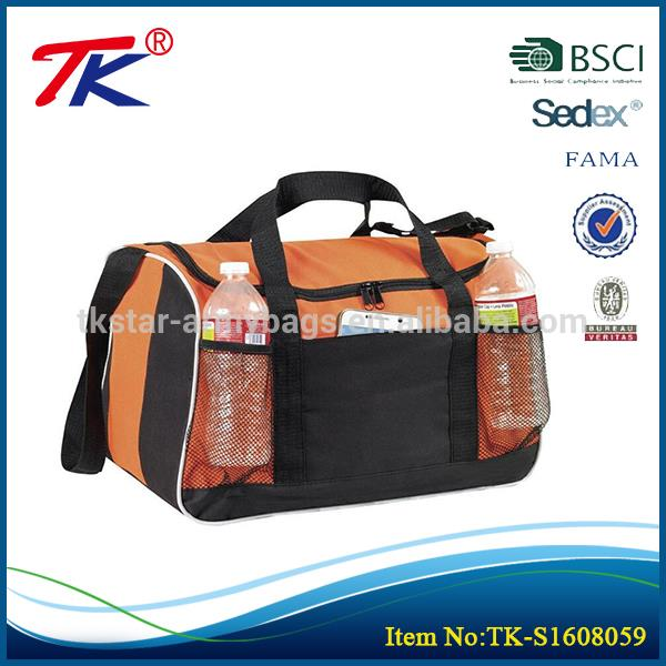 New design wholesale duffel bag practical sport men travel bag
