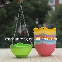 Plastic Hanging Flowerpot With Metal Chain