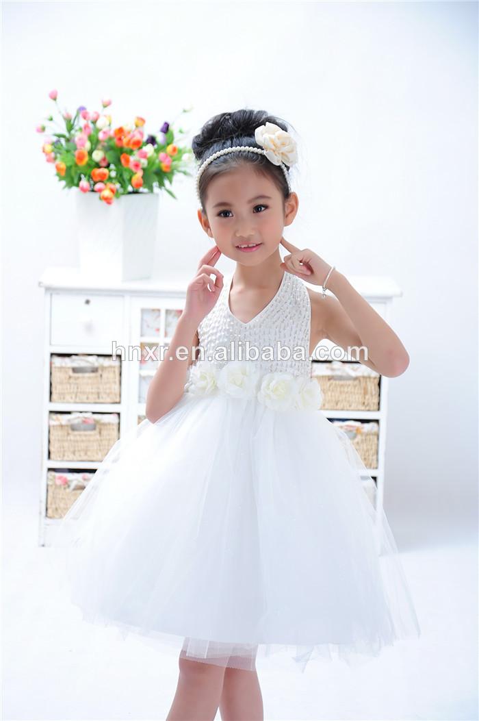 Robe blanche pour les filles