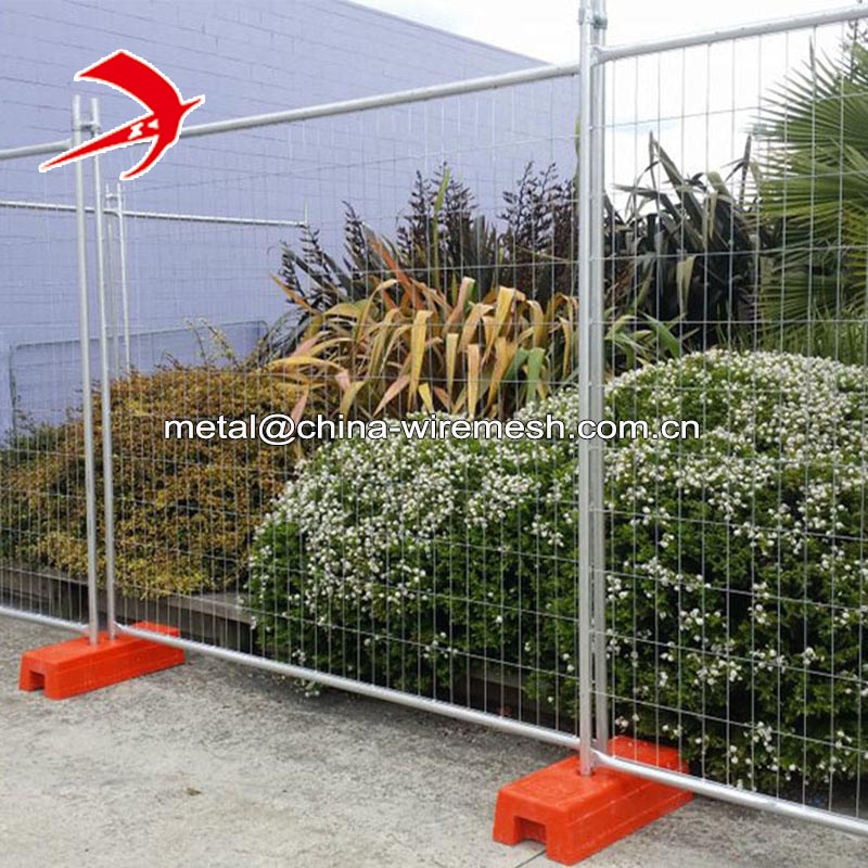 Hot dipped galvanized 2.4x2.1m size Australia temporary fencing