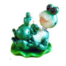 China Factory Price Creative Resin Frog