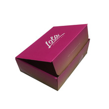 Pink matte lamination micro flute luxury clothing packaging box