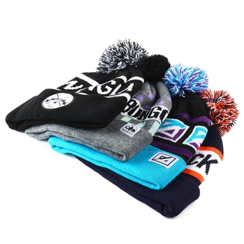 sports team logo jacquard winter knitted beanie hat with ball