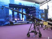 jimmy jib camera crane for Video shooting with electronic control 900 degree rotation and with Z axis head