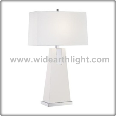 UL CUL Listed Modern Hotel Painted White Bedroom Table Light With Trapezoid Metal Body T40563