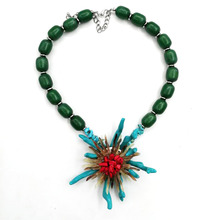 High Quality Fashion New Design Green Beaded Sea Life Necklace with Coral Flower Pendant