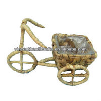 Country style bike garden wicker planter with plastic liner for home lobby decoration