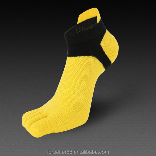 2017 hot breathble pure cotton men's toe socks with hign quality