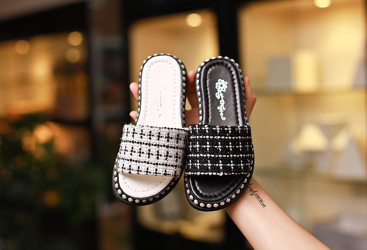 2017 summer new pearl decoration soft bottom slippery girl slippers princess shoes