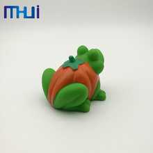 Best selling spray rubber water frog bath toy