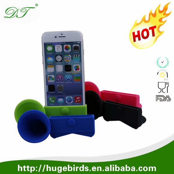 High quality waterproof wireless Silicone Horn Stand megaphone Speaker for iPhone