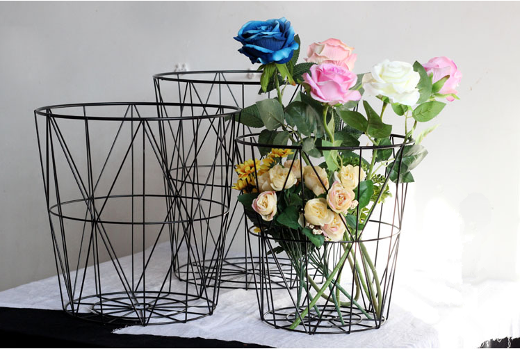 Popular sales eco-friendly feature and morden style wire storage flower basket