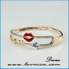 Fashion Alloy Charm Bangle Bracelet Jewelry for Women/lady Red Lip Shape