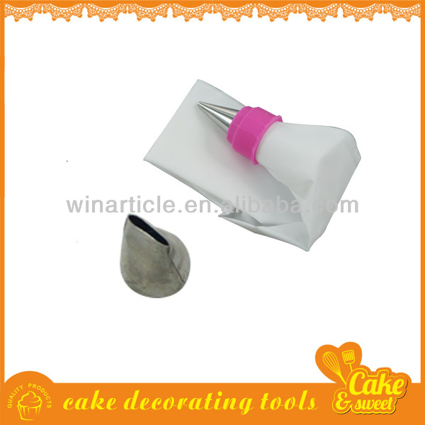 Simple dessert cake decoration