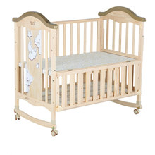 Smoothly Functional wooden baby bed with wheels/baby cradle crib for new born baby