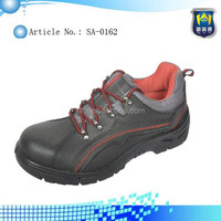 Buffalo leather safety shoes, oil resistant, anti-slip, anti-impact.