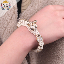 BYQ-00402 enamel black and white crystal animal zebra shape bracelet oem