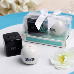 "wedding favor and wedding gift Mrand Mrs."" Ceramic Salt and Pepper Shakers wedding giveaways for guest souvenir gift"