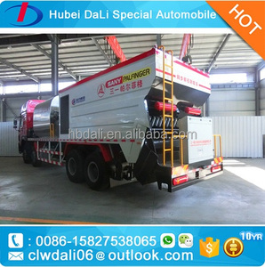 8*4 HOWO high-capacity huge rubber asphalt synchronous chip sealer asphalt spreader bitumen sprayer car