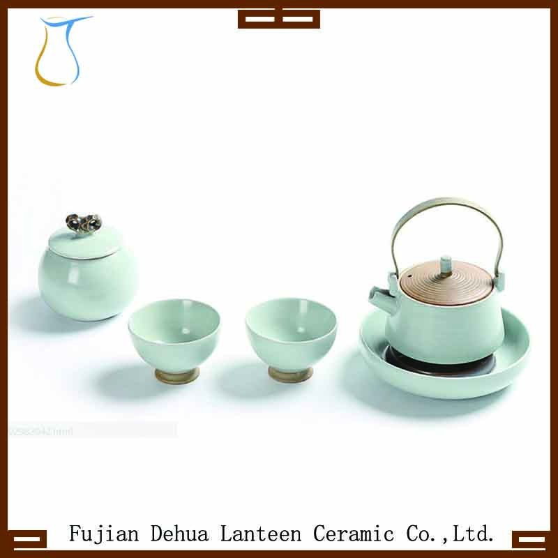 Tea set of 1 loop-handled teapot and 2 cups with jar