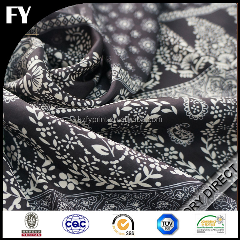 Factory custom high quality digital printing cotton stripe fabric black and white