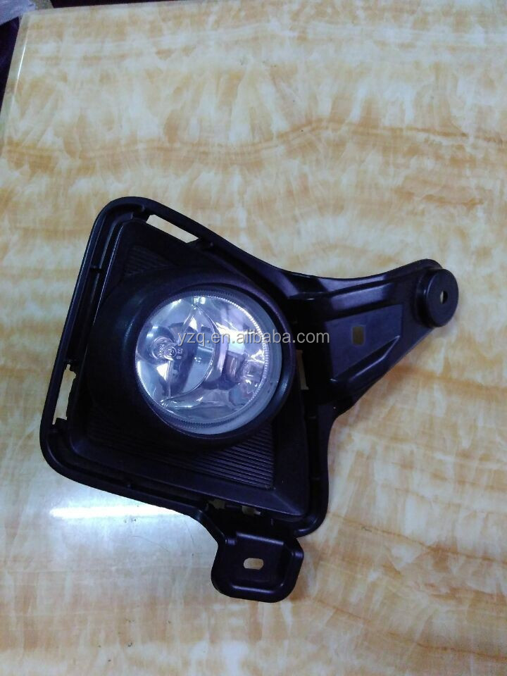81482-26070 auto body parts planting fog lamp for toyota hiace 2011