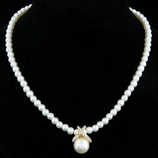 17KM Korean Fashion Imitation Pearls Cute Rhinestone Pendant Necklace Hot Sale Jewelry For Women Wholesale