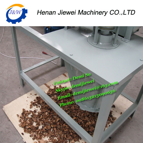 new design walnut shell breaker/ walnut shell breaker machine/walnut shell separating machine