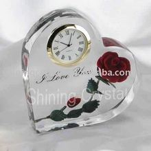 wedding favor heart shaped crystal table clock