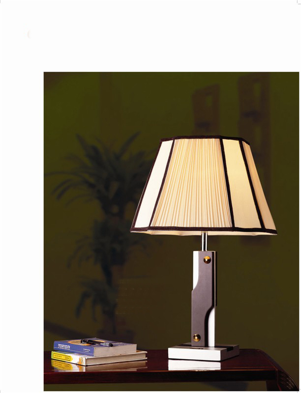 2017 new arrival high quality hotel table lamp with pucker fabric lamp shade popular in Uganda