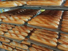 Factory direct sale cheap artificial bread for sale