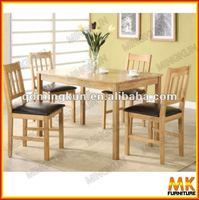 solid oak wood dinning table/chairs