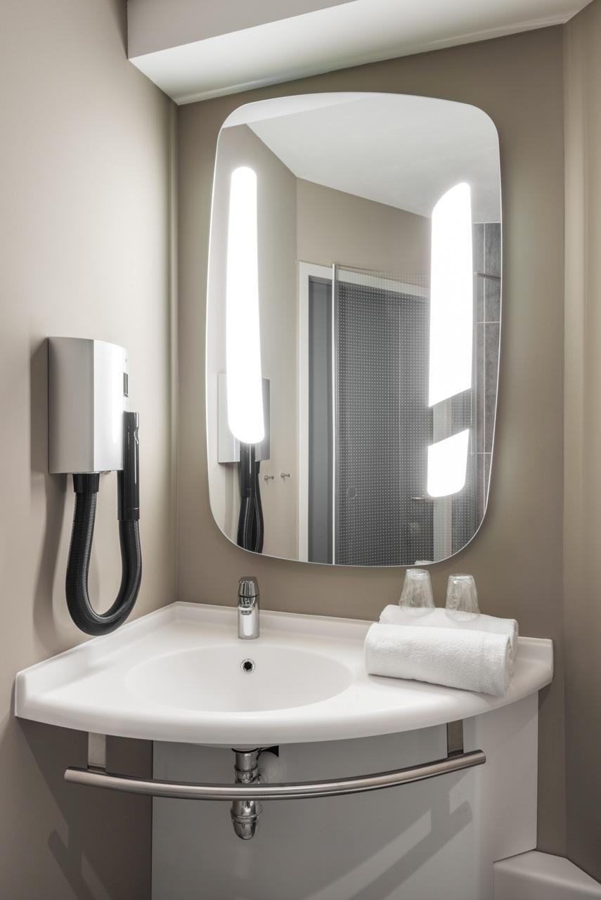 Bathroom Smart Led Light Mirror Touch Sensor Switch Export