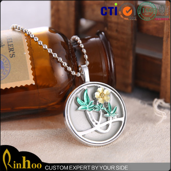 New Arrival Fashion Glow In the Dark Necklace Wholesale, Flower Shape