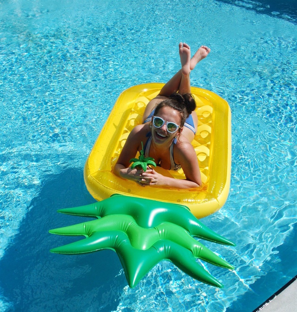 New hot sell air fruits giant pineapple pool float swimming circle air cushion air bed