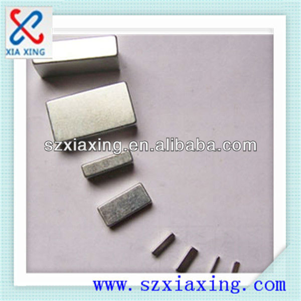 Square-shaped Neodymium Magnets with Zn and Ni Coating