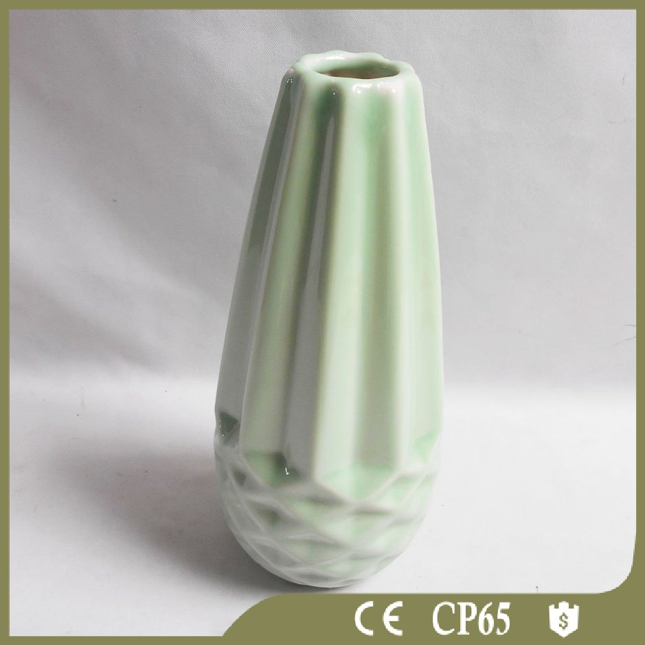 Novel Antique Chinese Porcelain Vase