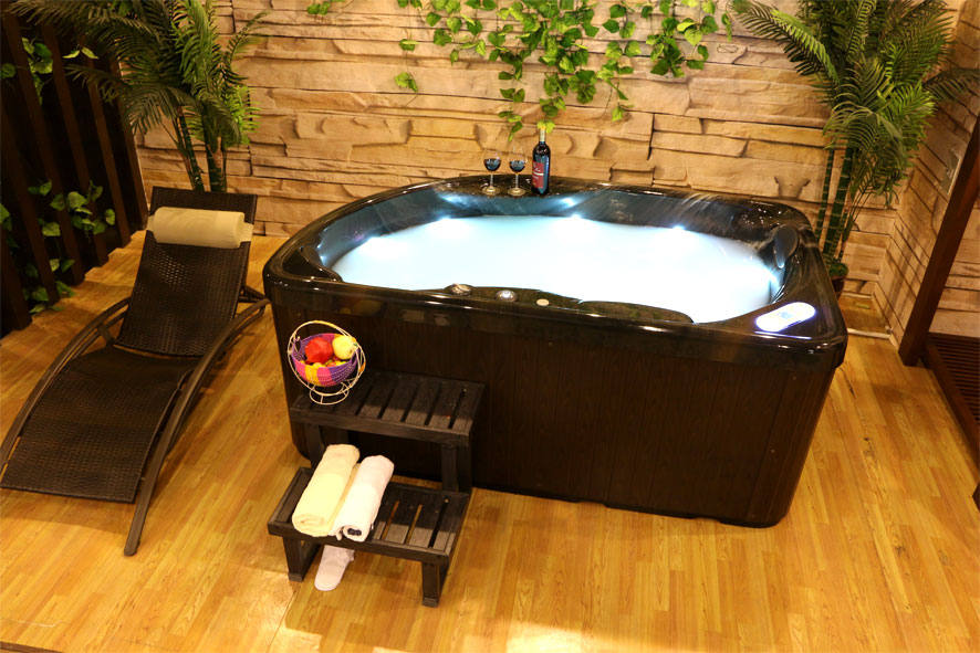 Contemporary Spa Tub Vendor Lucite Shell Jet Surfing Outdoor Massage Bathtub Family Use 2 People