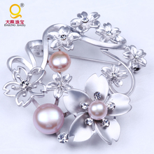 Wholesale wedding decorative brooch