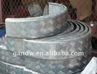 Moulded Checker aluminum mudguards for trailers