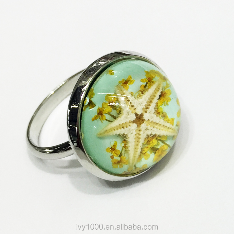 Fashion wholesale factory price real dry flower resin ring with real starfish inside