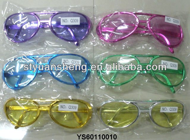 2012 Hot selling promotional item plastic glasses toy
