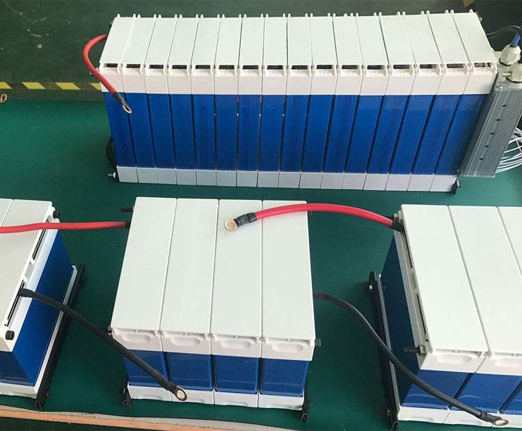 Fast charging BMS Deep cycle lithium battery 12V 100ah solar lifepo4 battery