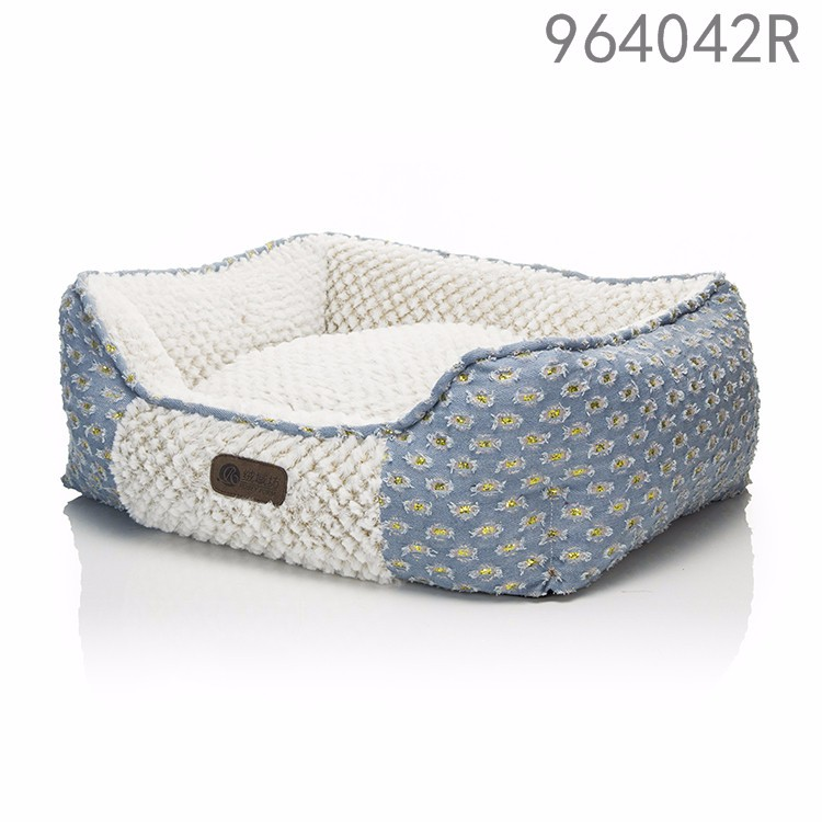 2017 lateste designs animal products premium dog kennel luxury jeans long plush pink dots rectangle pet dog beds with washable